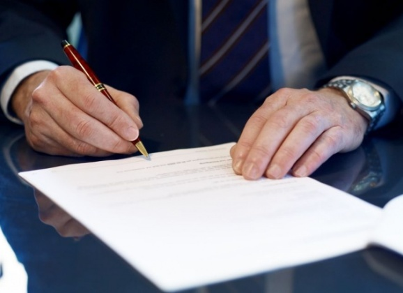 E' nulla la delibera che modifica a maggioranza il regolamento contrattuale